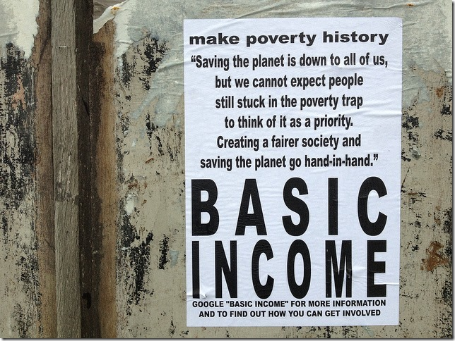 Basic Income Guaranteed and Minimum Wage